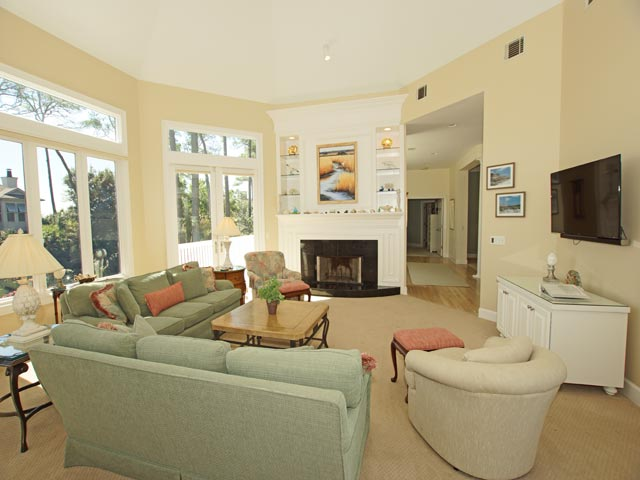 4 East Wind - Living Room