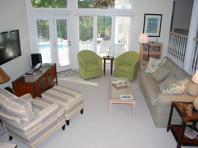 4 East Wind - Living Room 2