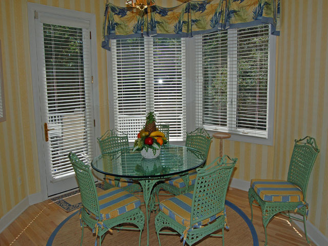 4 East Wind - Dining Area