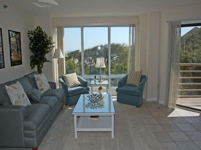 3232 Villamare - Living Room