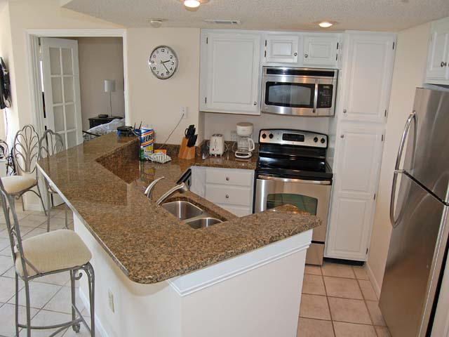 3232 Villamare - Kitchen