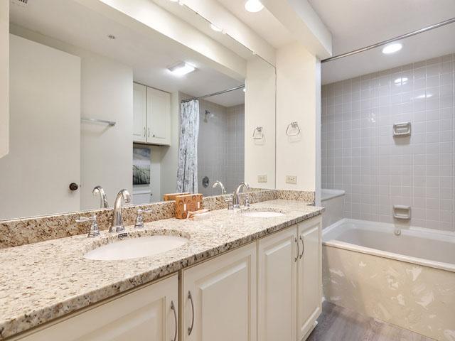 106 Barrington Arm - Bathroom