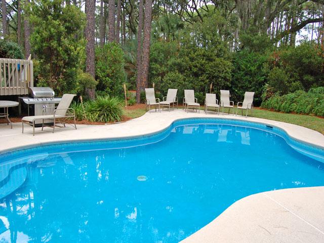 4 Dinghy - Pool