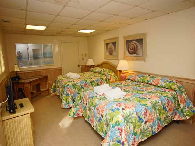 11 Dinghy - Basement bedroom #7