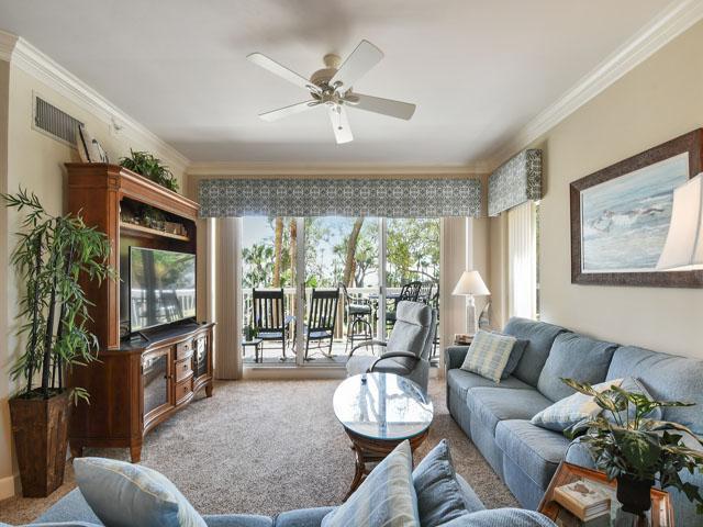 108 Barrington Arms - Living Room