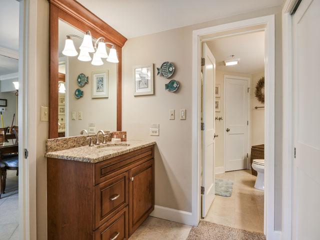 108 Barrington Arms - Master Bedroom bathroom
