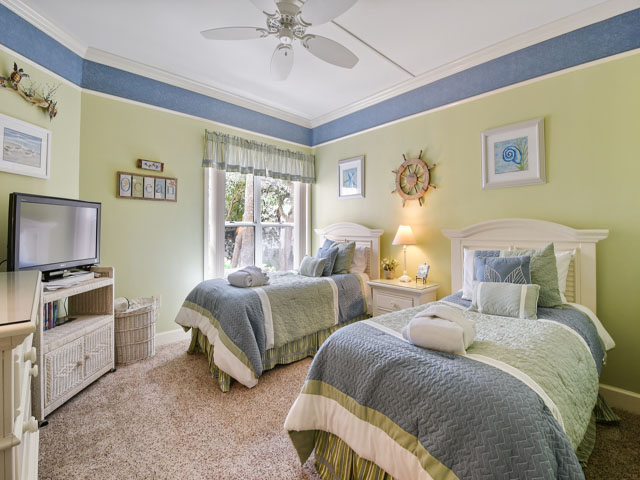 108 Barrington Arms - Guest Bedroom