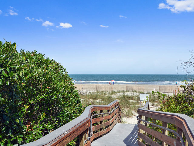 8 East Wind - Beach Access