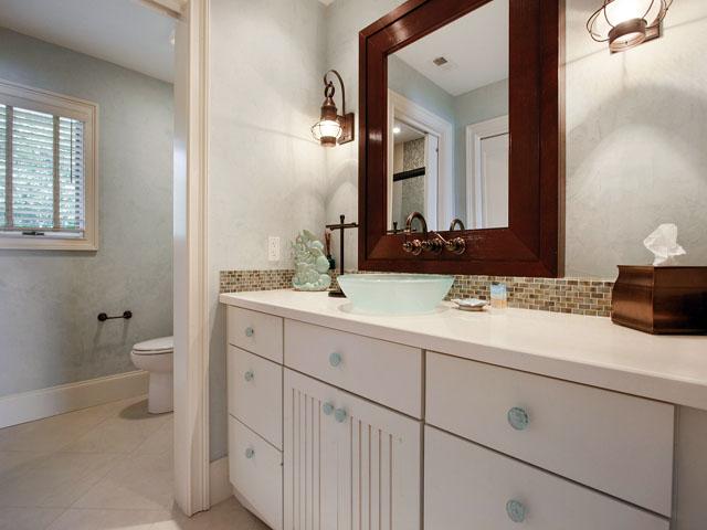 9 Galleon - Upstairs Bedroom 3 Bathroom