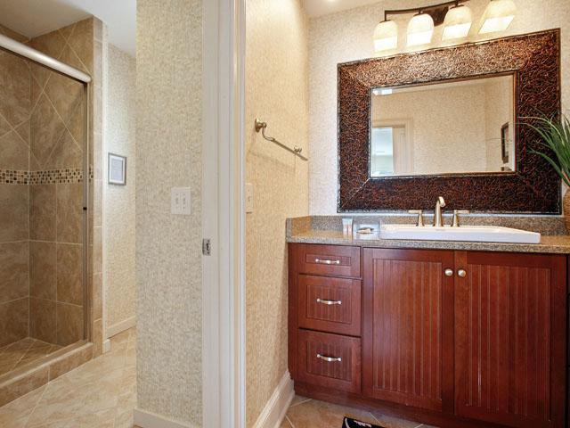 9 Galleon - Upstairs Bedroom 6 Bathroom