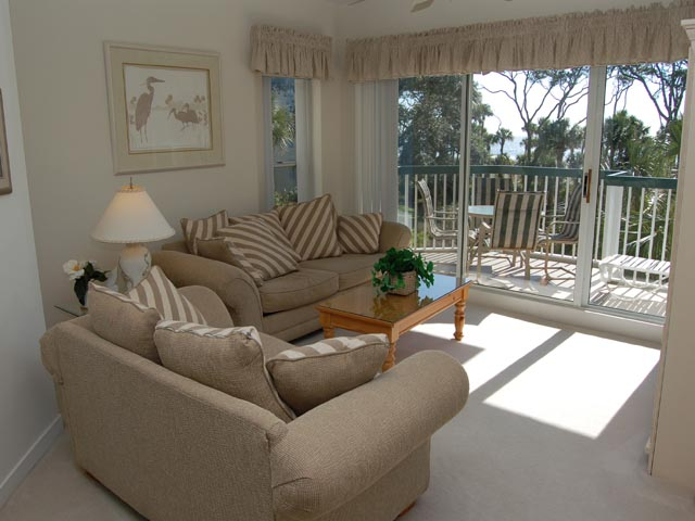 203 Barrington Arms - Living Room