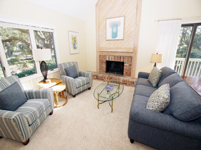 4 Grey Widgeon - Living Room