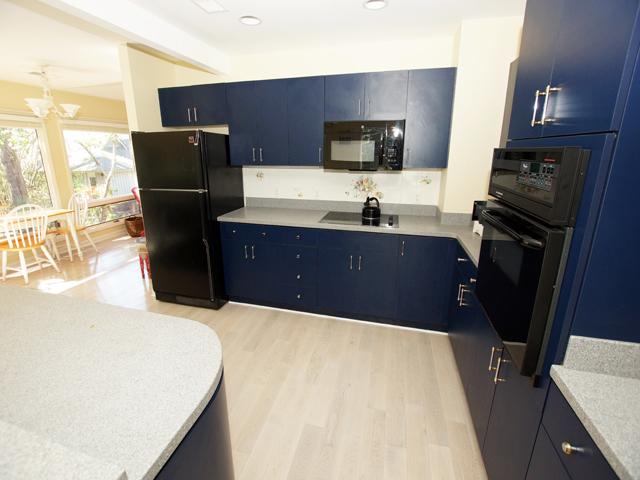 4 Grey Widgeon - Kitchen
