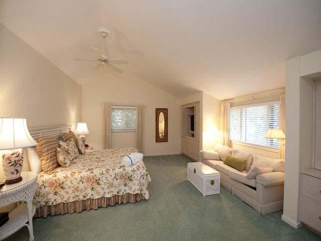 4 Grey Widgeon - Large Bedroom