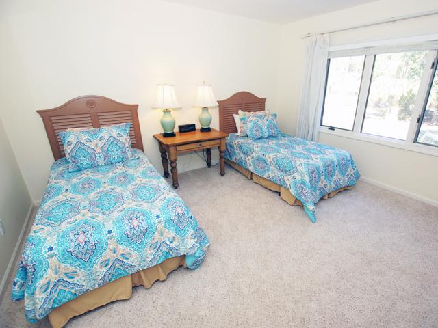 4 Grey Widgeon - Twin Bedroom