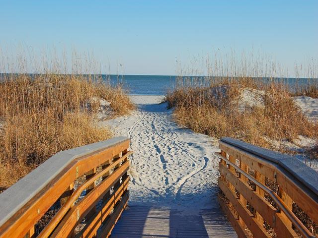 6108 Hampton Place - beach walk