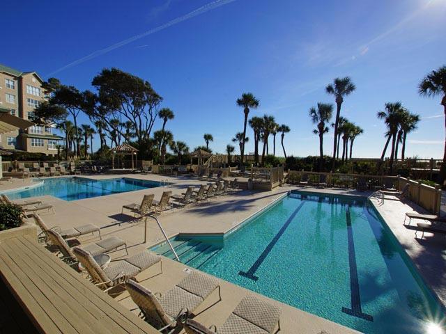 6108 Hampton Place - pool area