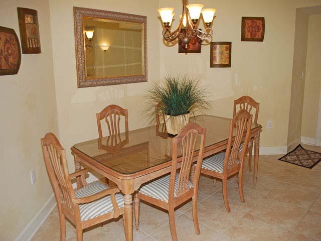 6108 - Hampton Place - Dining Area