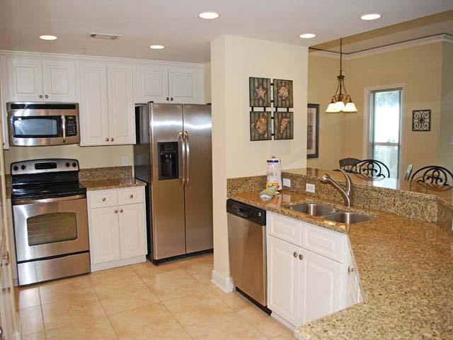 6108 - Hampton Place - Kitchen