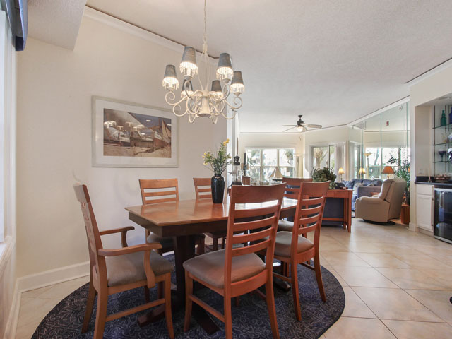 6205 Hampton Place - Dining Area