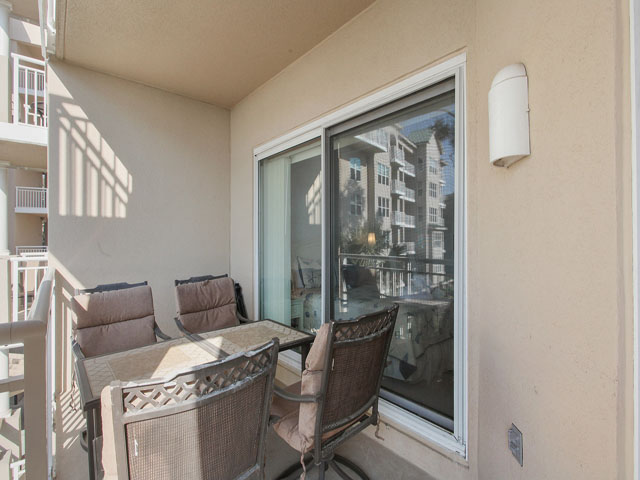 6205 Hampton Place - Balcony