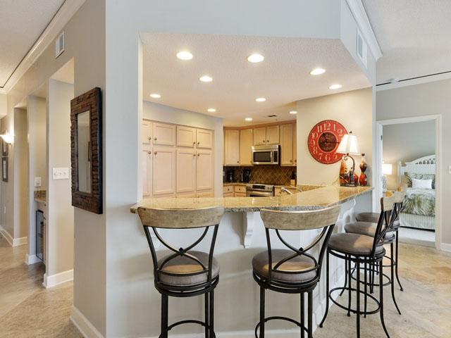 6208 Hampton Place - Kitchen