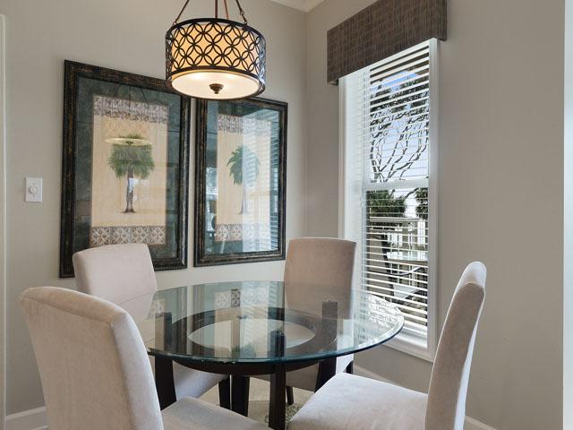 6208 Hampton Place - Dining Area