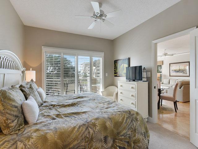 6208 Hampton Place - King Bedroom