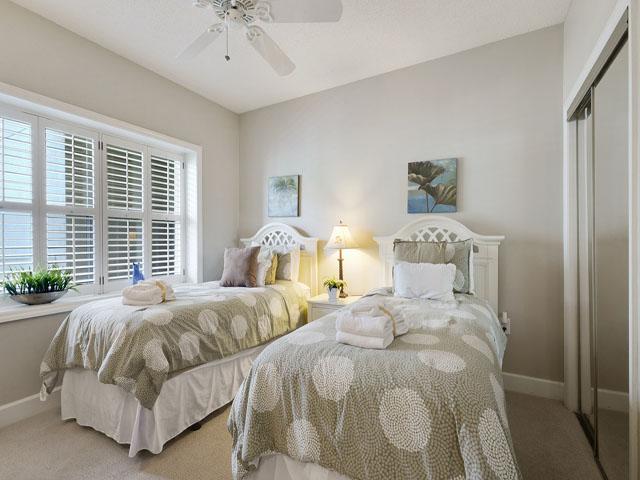 6208 Hampton Place - Twin Bedroom