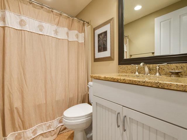 6208 Hampton Place - Full Bath