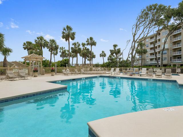 6208 Hampton Place - Complex Pool