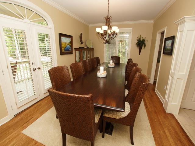 2 High Rigger -  Dining Room