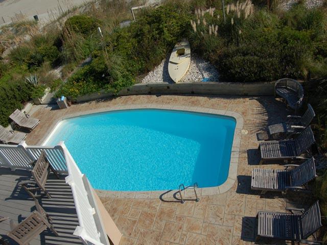 20 Ibis - Pool View
