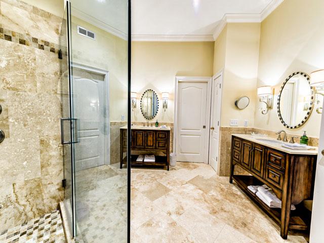 9 Ketch - Master bedroom bathroom