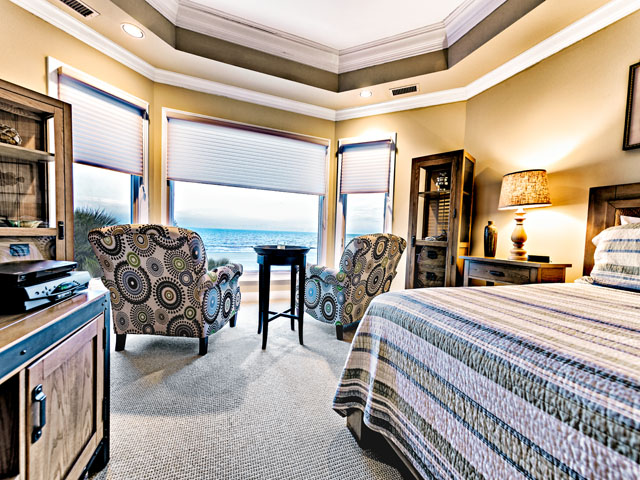 9 Ketch -  Upstairs Master bedroom