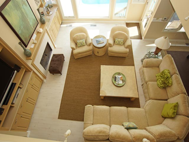 10 Ketch - living room