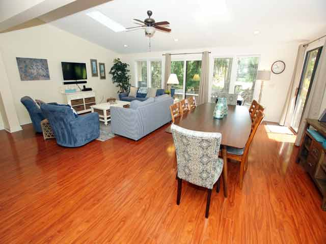 79 Kingston -Living Room/ Dining Room