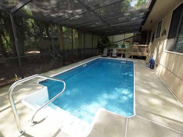 79 Kingston - Pool Area