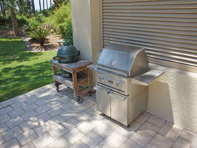 10 Laurel Lane- Grill