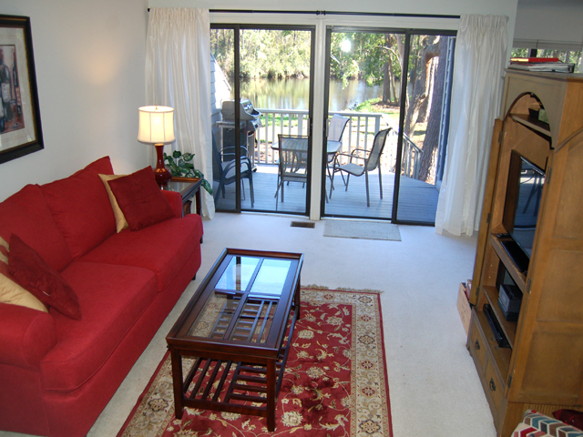 3359 Lake Forest - Living Room