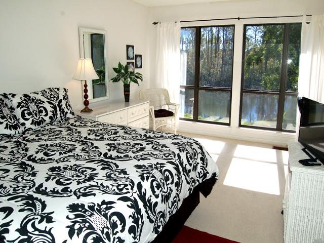 3359 Lake Forest - Bedroom