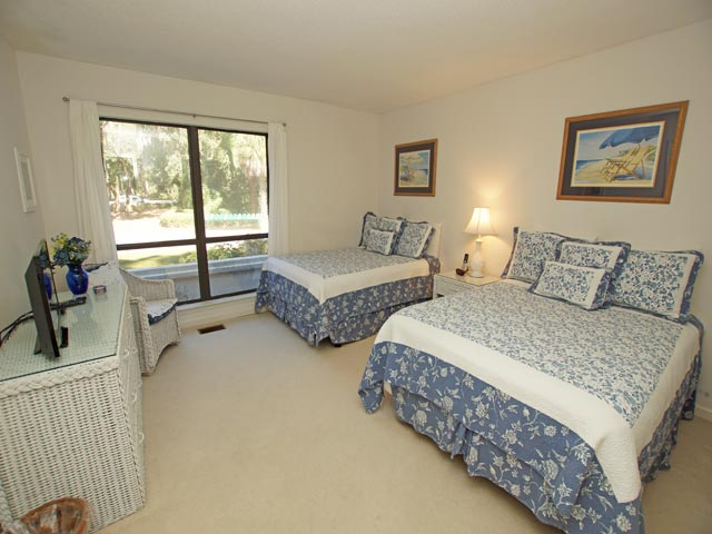 3359 Lake Forest - Guest Bedroom
