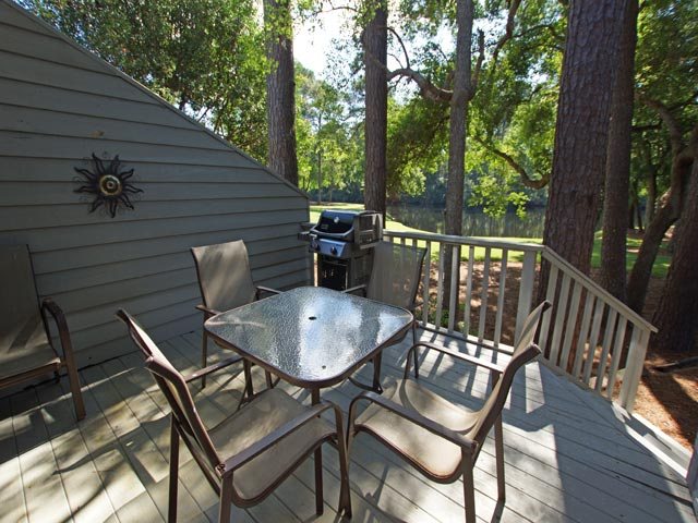 3359 Lake Forest - Patio