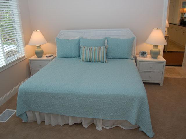 80 Mooring Buoy - Bedroom 2