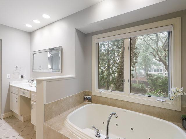 189 Mooring Buoy- Bathroom 1