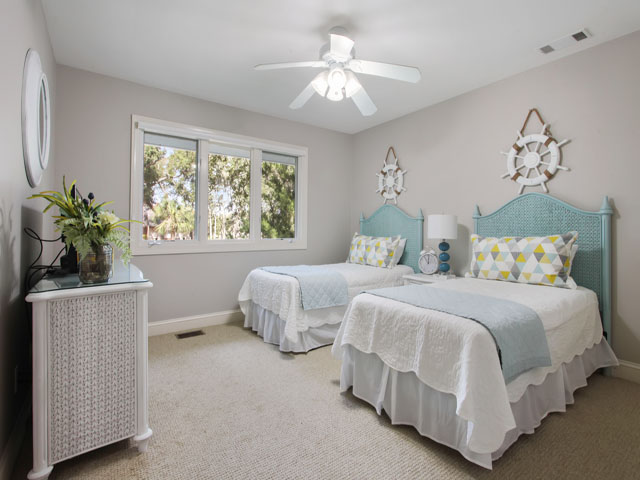 189 Mooring Buoy- Bedroom 2