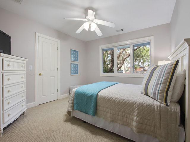189 Mooring Buoy- Bedroom 3