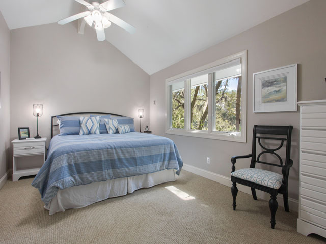 189 Mooring Buoy- Bedroom 4