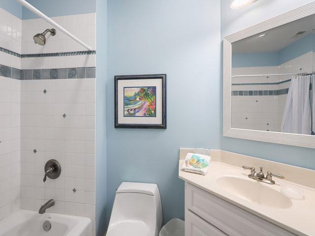 189 Mooring Buoy- Bathroom 4