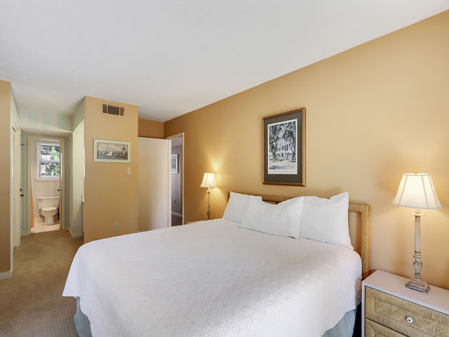 11 Moorings - - Master Bedroom